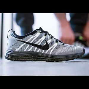 Nike FlyKnit Lunarlon 1+ Runniing Shoes